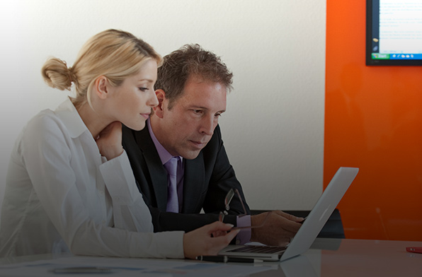 Arbeitnehmer überprüfen ihre Employability anhand der Checkliste
