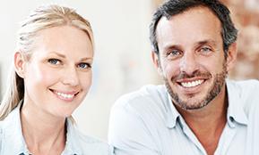 Klienten stellen sich im Bewerbungsgespräch kurz selbst vor